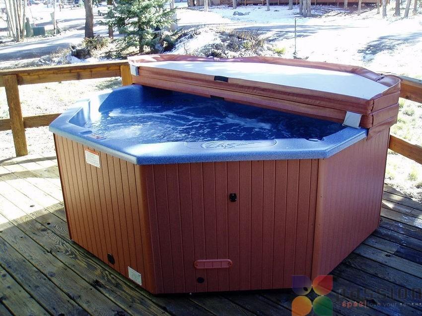 hot-tub-in-winter-min-500x300