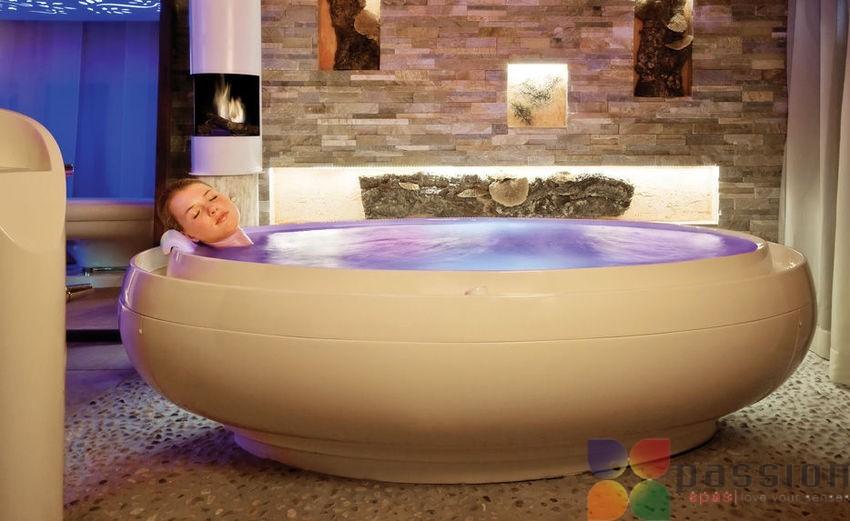 Помогает ли гидромассаж в бассейне SPA при болях в спине